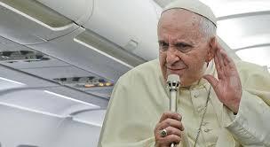 ROMA-FATIMA-ROMA COL PAPA: 1738€ DI BIGLIETTO AEREO. UNA LETTERA DI PROTESTA DEI GIORNALISTI.